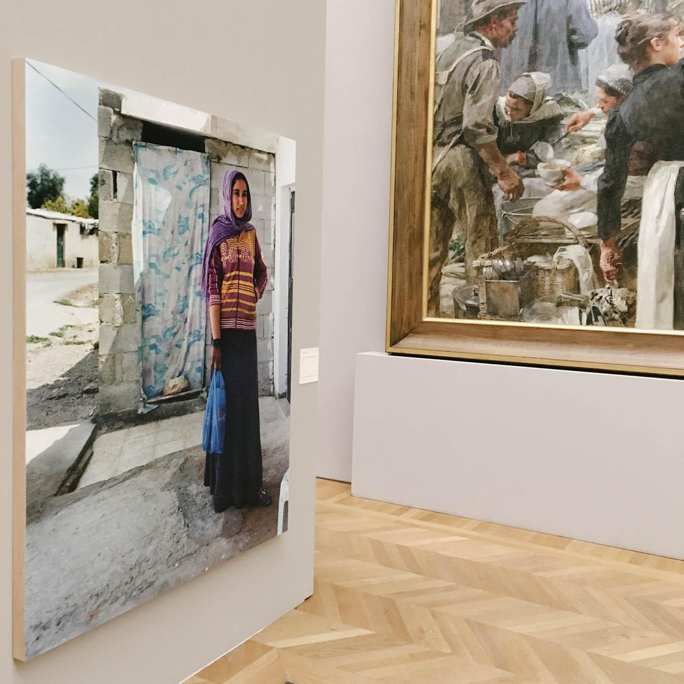 the photo exhibition archive-Valerie Jouve-3